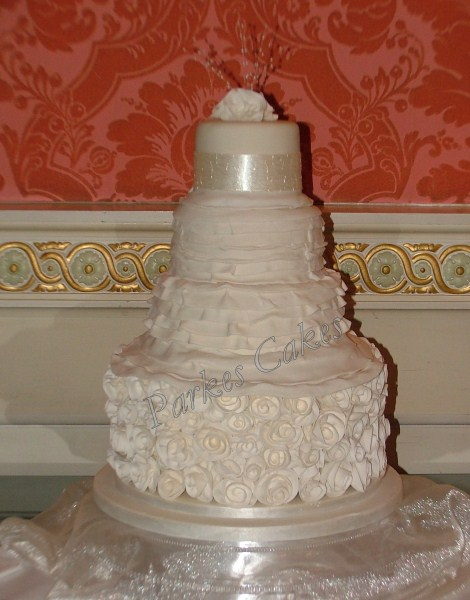ian stuart masquerade wedding dress inspired wedding cake