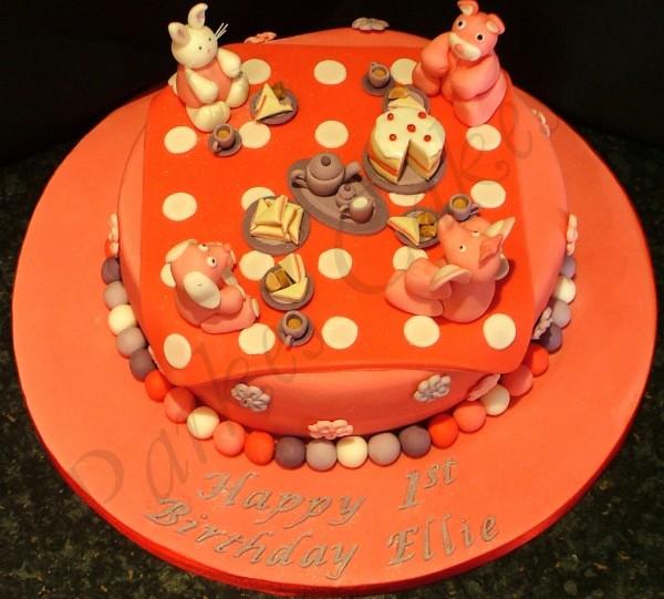 Teddy bear cake - picnic cake - Marzipan cakes