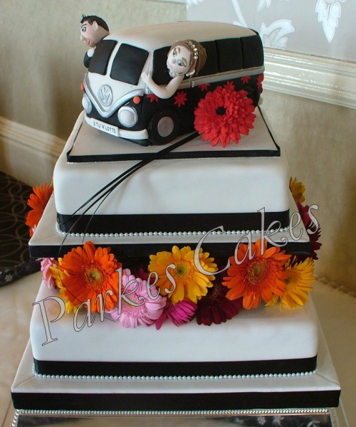 camper van wedding cake side view